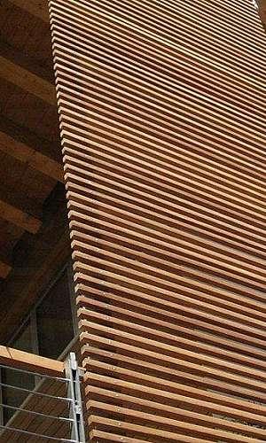 Brise de madeira fachada
