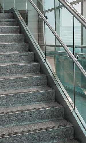 Corrimão de escada de aluminio