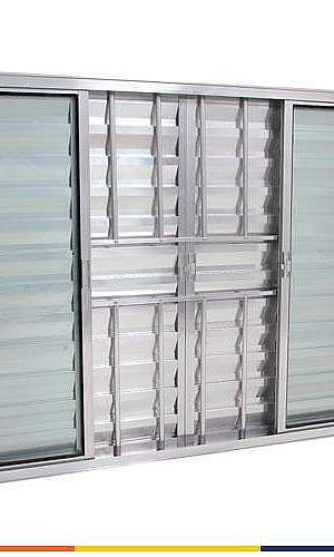 Janela alumínio